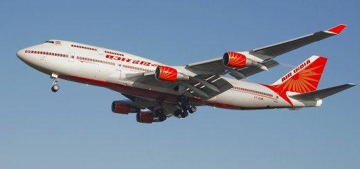 Air_india_b747-400_vt-esm_lands_arp
