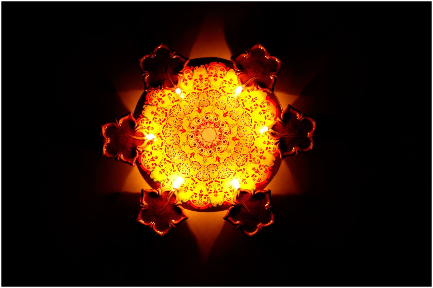 (1)_Rangoli_with_Light_&_Shadow_Diwali_November_2013