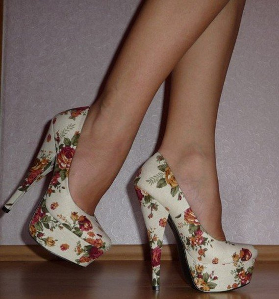gv40j2-l-610x610-shoes-high-heels-floral-floral-high-heels-pumps-vintage-fashion-white-cute-high-heels-cute-shoes-pastel-pastel-shoes-platform-shoes-platform-high-heels-white-high-heels-retro-beige
