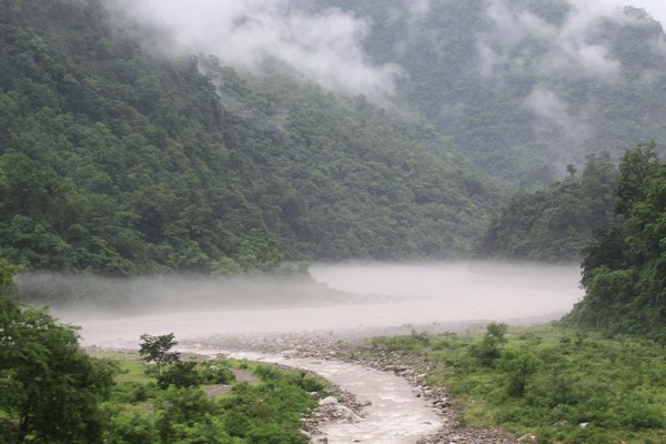 4264799-River-Ganges-Rishikesh-1